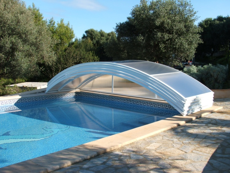 Poolabri abri piscine bas relevable amovible for Abri de piscine bas