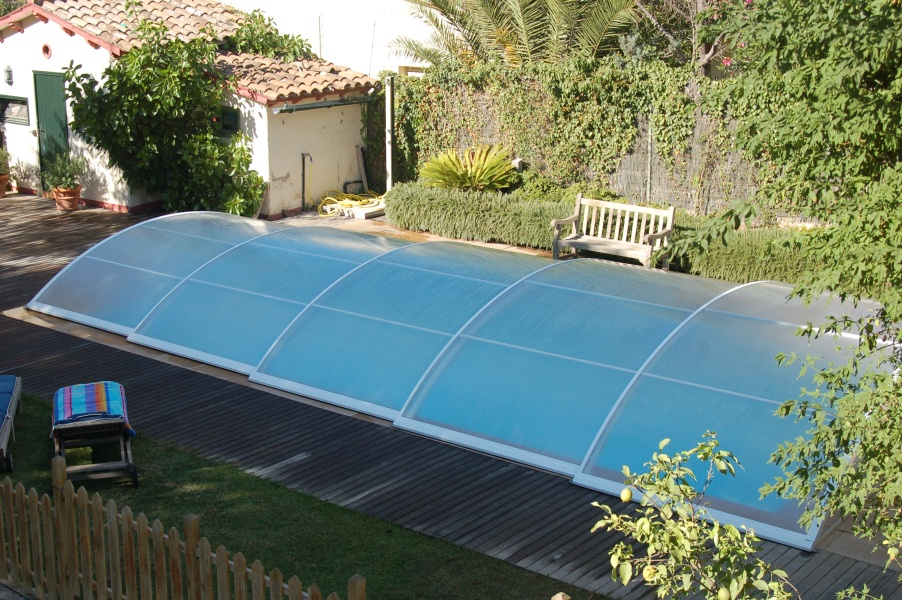 Poolabri abri piscine bas telescopique for Piscine en coque pas cher