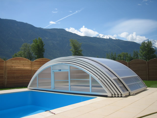 Abri Piscine Gonflable Abris Piscine Coulissant With Abri