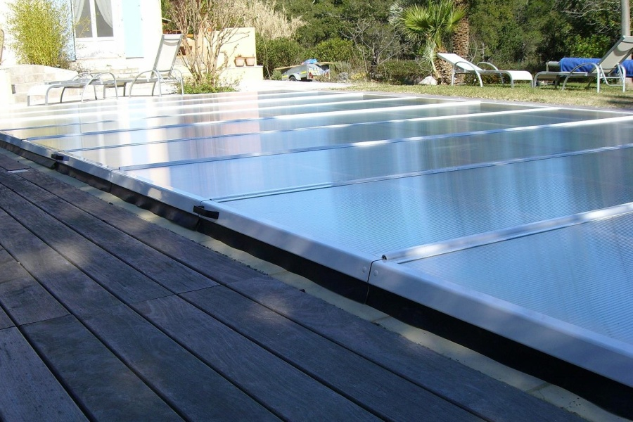 Poolabri abri piscine plat repliable for Abris piscine plat