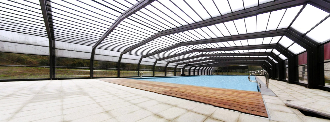Toit amovible piscine poolabri abri piscine xxl for Piscine odeon
