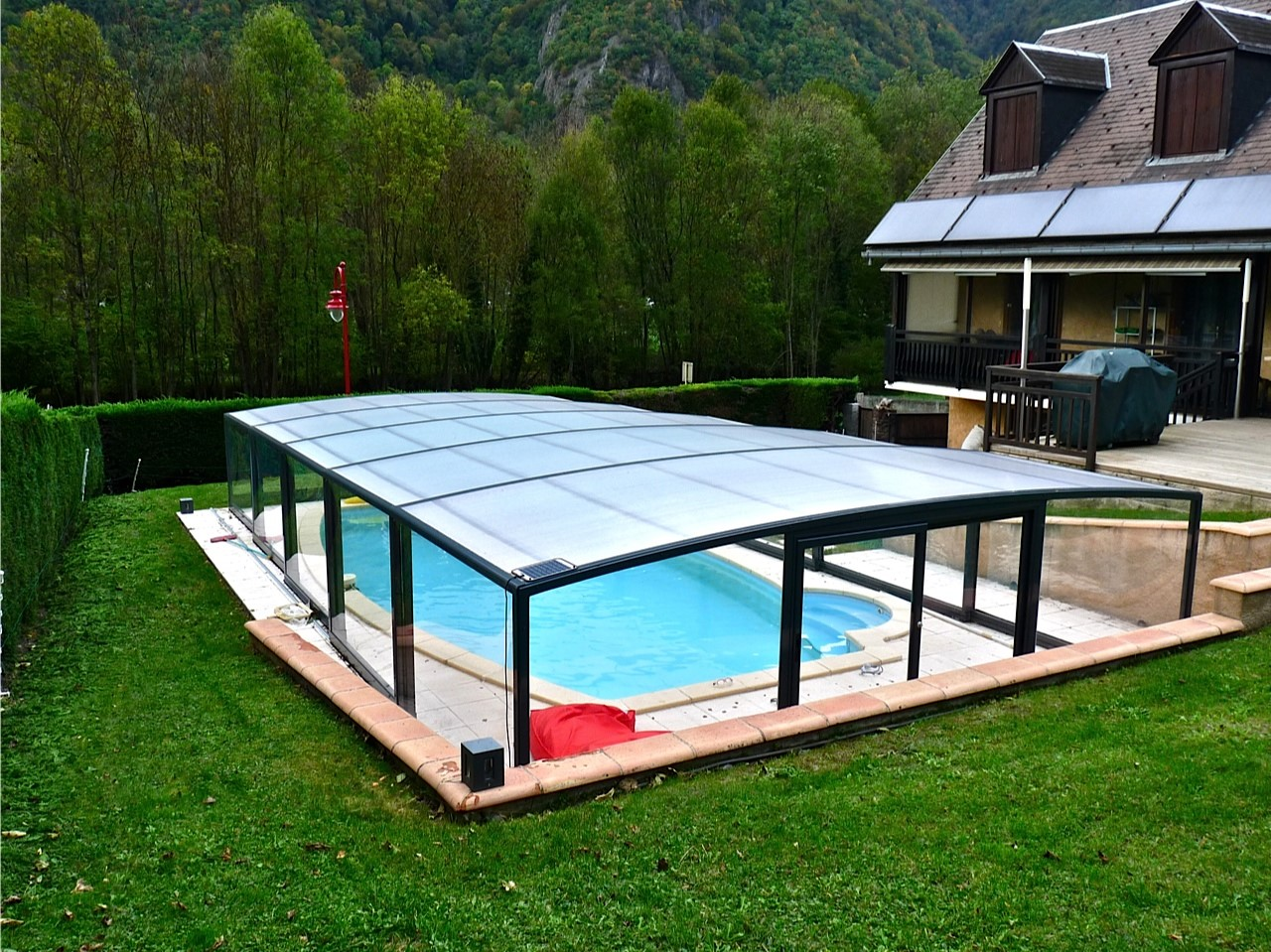 L 39 abri de piscine semi haut for Abri de piscine