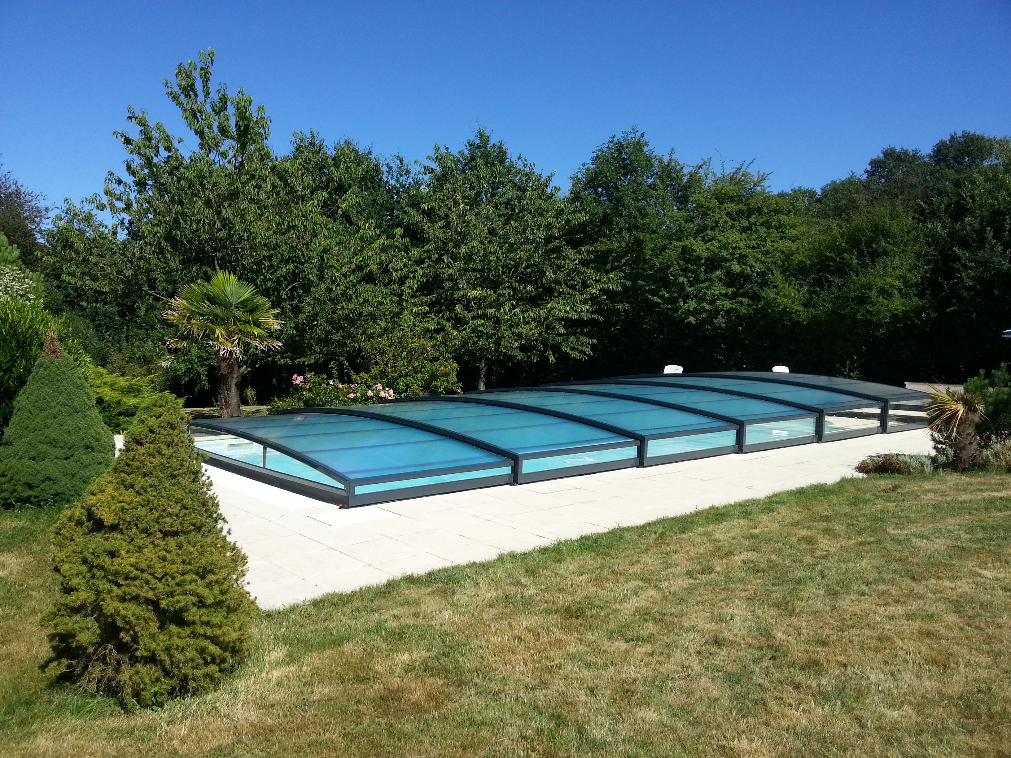 L 39 abri de piscine bas for Prix dome piscine