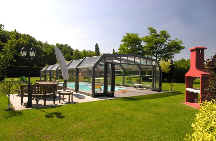 Poolabri photos d 39 abris de piscine for Abri patio club piscine