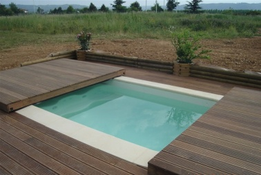 Poolabri abri piscine terrasse plat bois for Couverture piscine bois